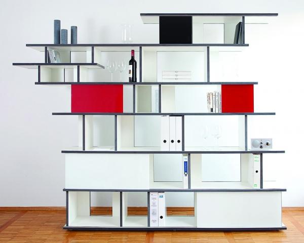 Individuell ohne Werkzeug konfigurierbares Möbel- und Regalsystem