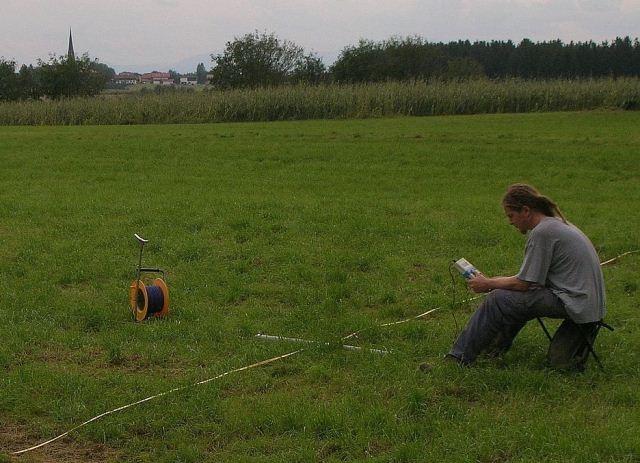 Wiesbaden-Infos.de - Wiesbaden Infos & Wiesbaden Tipps | Till Ernstson bei Vermessung der Donnerlöcher mit dem Verfahren der Geoelektrik