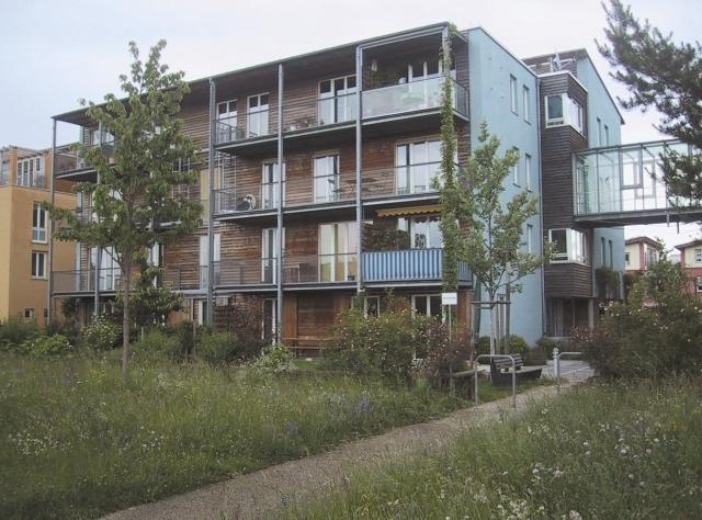 Bayern-24/7.de - Bayern Infos & Bayern Tipps | Der Wohnungsneubau ist für Genossenschaften wegen der hohen Grundstückspreise und Baukosten fast unmöglich. Im Bild ein Mehrfamilienhaus der wogeno in der Messestadt-Riem.(Foto: Wogeno)