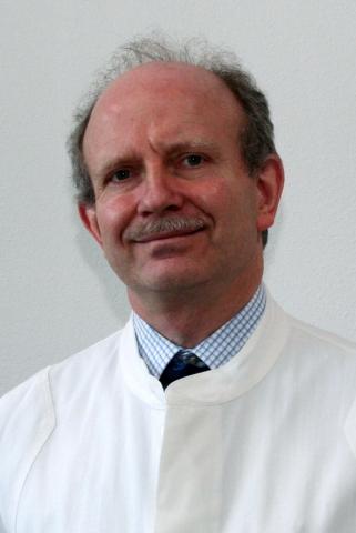 Rom-News.de - Rom Infos & Rom Tipps | Dr. Marko Ostendorf, Arzt beim Infocenter der R+V Versicherung