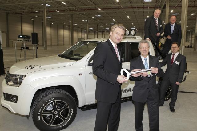 Grossbritannien-News.Info - Großbritannien Infos & Großbritannien Tipps | Übergabe des ersten Hallenabschnitts an Volkswagen Nutzfahrzeuge