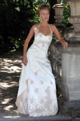 Hochzeit-Heirat.Info - Hochzeit & Heirat Infos & Hochzeit & Heirat Tipps | Foto: Brautkollektion 2012 von La Rose Noire Couture, München.