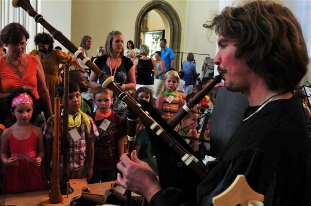 Tickets / Konzertkarten / Eintrittskarten | Historische Instrumente und die Geschichte vom kleinen Ritter Wiggerl faszinierten schon letztes Jahr die Münchner Kinder