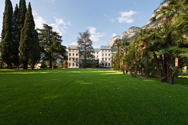 Oesterreicht-News-247.de - Österreich Infos & Österreich Tipps | (Foto: Hotel) Das fünfsterne Hotel Lido Palace in Riva del Garda am Gardasee