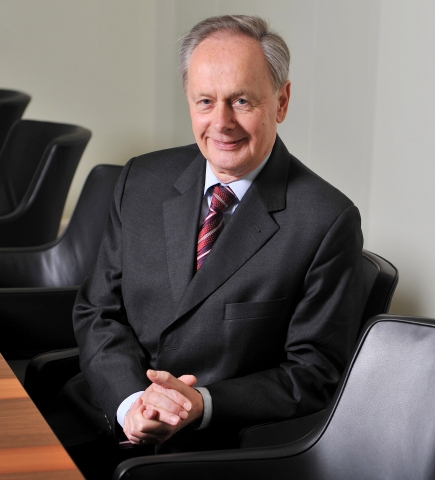 Technik-247.de - Technik Infos & Technik Tipps | Dr. Eduard Kulenkamp, Vorstandsvorsitzender Stiftung PfalzMetall, Stellv. Aufsichtsratsvorsitzender Gebr. Pfeiffer SE