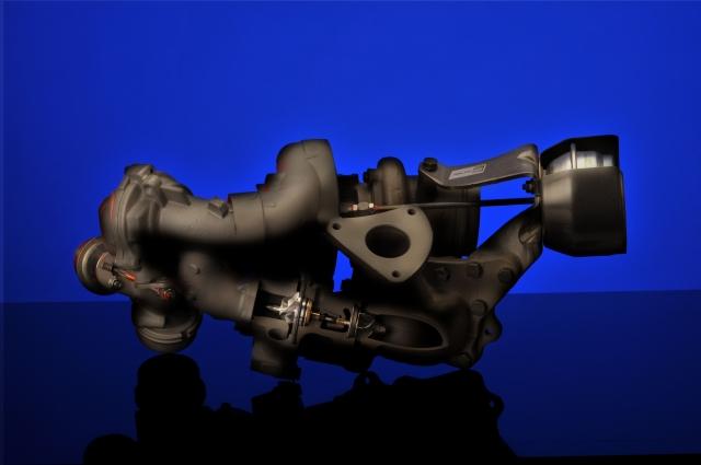 Die zweistufige, geregelte Aufladung von BorgWarner setzt in Hinblick auf Leistung, Drehmoment und vor allem beim Kraftstoffverbrauch im ersten Vierzylindermotor in der Geschichte der Mercedes S-Klasse neue Maßstäbe