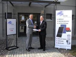 Alternative & Erneuerbare Energien News: Foto: Friedemann Holzwarth GF PVLine und Mathias Acher von der ACHER & ACHER Unternehmensbetreuung.