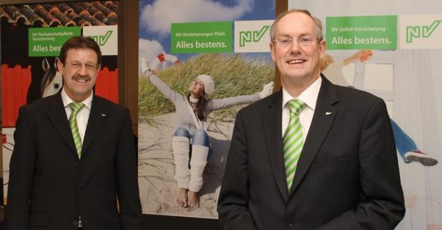 Versicherungen News & Infos | Die NV-Vorstände Arend Arends und Johann Cremer (von links) wollen weiterhin ertragsstark wachsen.
