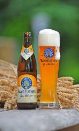 Bier-Homepage.de - Rund um's Thema Bier: Biere, Hopfen, Reinheitsgebot, Brauereien. | Foto: Die Bayreuther Bio-Weisse gibt es seit 2007 und sie wird ausschließlich mit Zutaten von zertifizierten Bio-Betrieben hergestellt. Das leicht rötlich leuchtende Weissbier schmeckt fruchtig-würzig und erfreut sich stetig steigender Beliebtheit.