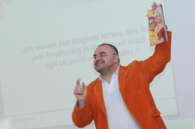 Duesseldorf-Info.de - Düsseldorf Infos & Düsseldorf Tipps | Der Werbetherapeut bei einem seiner