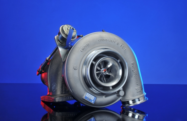 Auto News | Die neuesten BorgWarner B-Serie Turbolader verfügen über ein asymmetrisches zweiflutiges Twin-Scroll Turbinengehäuse.