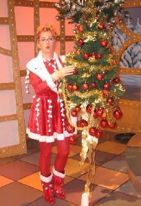 Chat News & Chat Infos @ Chats-Central.de | Ost Nachrichten / Osten News - Foto: Die Dresdner Komödiantin Petra Hoffmann als Sachsenkind Friedlinde vor ihrem Weihnachtsauftritt in Heil`s Weinkeller in Radebeul.