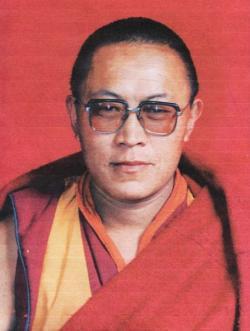 Ost Nachrichten & Osten News | Ost Nachrichten / Osten News - Foto: Tulku Tenzin Delek Rinpoche, Portraitphoto von HRW.