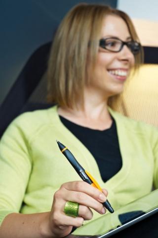 Ein Stift für den Touchscreen: Mit der Touchscreen-Spitze bleibt der Bildschirm sauber.