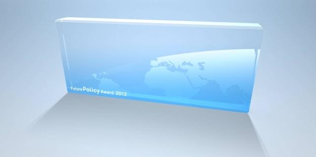 Hamburg-News.NET - Hamburg Infos & Hamburg Tipps | Der ungewöhnliche Glas-Award wurde von Designer Peter Schmidt entworfen