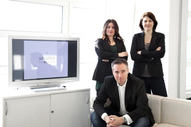 Berlin-News.NET - Berlin Infos & Berlin Tipps | Das ad publica Führungsteam: Heiko Biesterfeldt, Sonia Garcia Köpper (hinten links), Martina Biesterfeldt