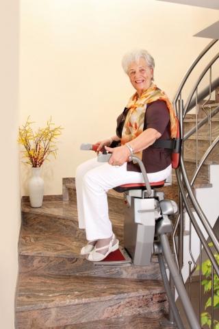 Podcasts @ Open-Podcast.de: Schmale Treppe? Ein Treppenlift nimmt steilen oder schmalen Treppen ihren Schrecken und erhält die Mobilität bis ins hohe Alter.