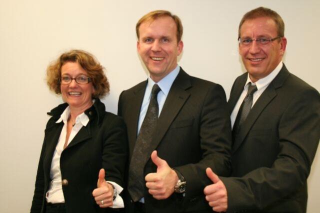 Indien-News.de - Indien Infos & Indien Tipps | Von links: Assistentin der Geschäftsleitung Susanne Thomas, Geschäftsführung Christoph Döhlemann und Henry Windisch.