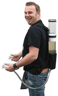 Bier-Homepage.de - Rund um's Thema Bier: Biere, Hopfen, Reinheitsgebot, Brauereien. | Foto: Der Bierrucksack ist ein mobiles Getränkeversorgungssystem, das man einfach wie einen Rucksack auf dem Rücken trägt. Dadurch ist völlige Bewegungsfreiheit garantiert.