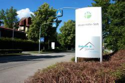 SeniorInnen News & Infos @ Senioren-Page.de | Foto: Altenzentrum Wiedenhöfer Stift Herrenberg mit neuem durchgängigem Erscheinungsbild.