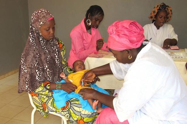 Afrika News & Afrika Infos & Afrika Tipps @ Afrika-123.de | Impfungen helfen die Kindersterblichkeit deutlich zu senken