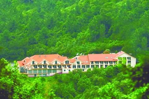 Ostern-247.de - Infos & Tipps rund um Ostern | Madeira / Hotel Residencial Encumeada