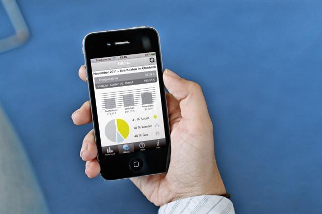 Alternative & Erneuerbare Energien News: Mit der VOLTARIS Energie App kann jederzeit auch von unterwegs der eigene Energieverbrauch eingesehen werden