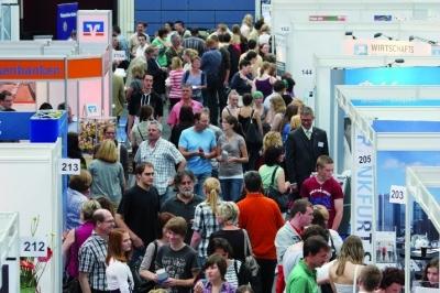 Sport-News-123.de | 10.200 Besucher nutzten das Angebot der azubi- & studientage Koblenz 2011
