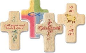 Ostern-247.de - Infos & Tipps rund um Geschenke | Vier wunderschöne Handkreuze aus Holz