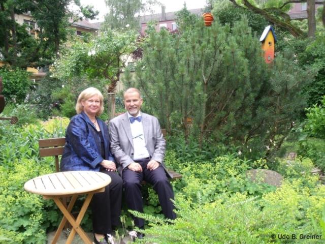 Kosmetik-247.de - Infos & Tipps rund um Kosmetik | Gudrun und Klaus Förtsch im Naturgarten des Creativhotels Luise