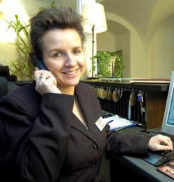 Ost Nachrichten & Osten News | Foto: Freut sich auf ihre neue Aufgabe: Doreen Post, Resident Manager Precise Quedlinburger Stadtschloss.