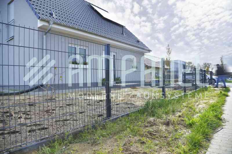 Fertighaus, Plusenergiehaus @ Hausbau-Seite.de | Foto: Zäune aus Polen – sehr gut und günstig!