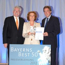 Bayern-24/7.de - Bayern Infos & Bayern Tipps | Foto (v.l.n.r.): Wirtschaftsminister Martin Zeil, DELO-Geschäftsführerin Sabine Herold, Thomas Edenhofer, Rölfspartner