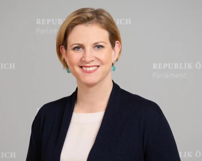 Freie Pressemitteilungen | Mag.a Beate Meinl-Reisinger, M.E.S. Abgeordnete zum Nationalrat, Bild: © Parlamentsdirektion / PHOTO SIMONIS