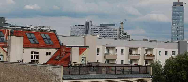 Simon Klaus, Chef des Immobilienfinanzierers Berlin Hyp: Städte wie Berlin brauchen mehr Hochhäuser / Baugenehmigungen müssen schneller erteilt werden!