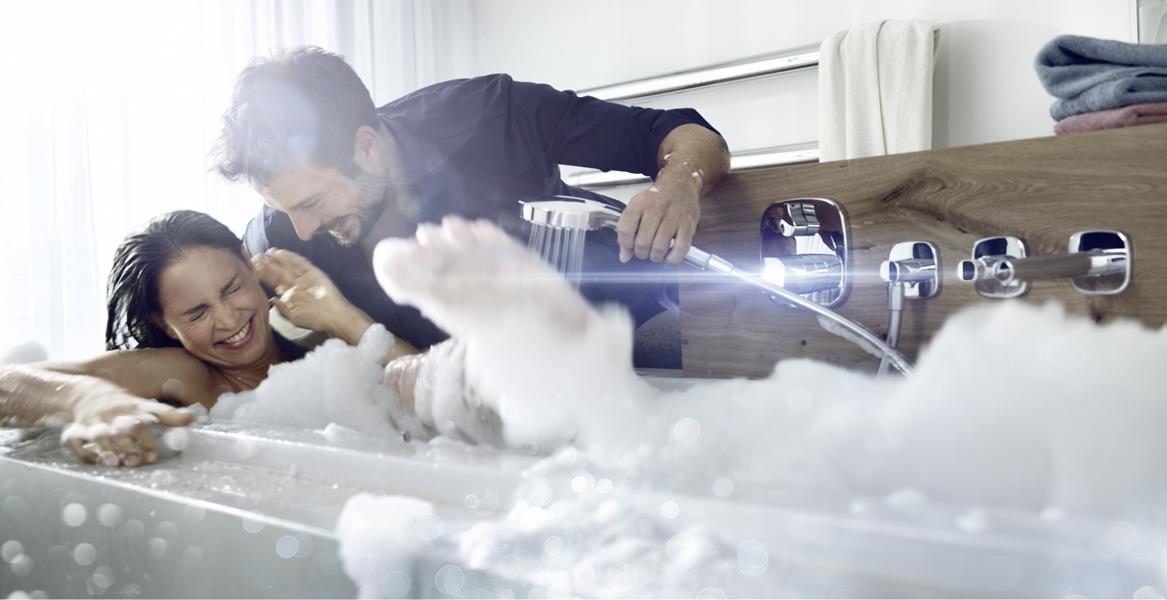 Amerika News & Amerika Infos & Amerika Tipps | Studie belegt: Bei der Badeinrichtung unterscheiden sich Frau und Mann. Foto: Hansa Armaturen GmbH