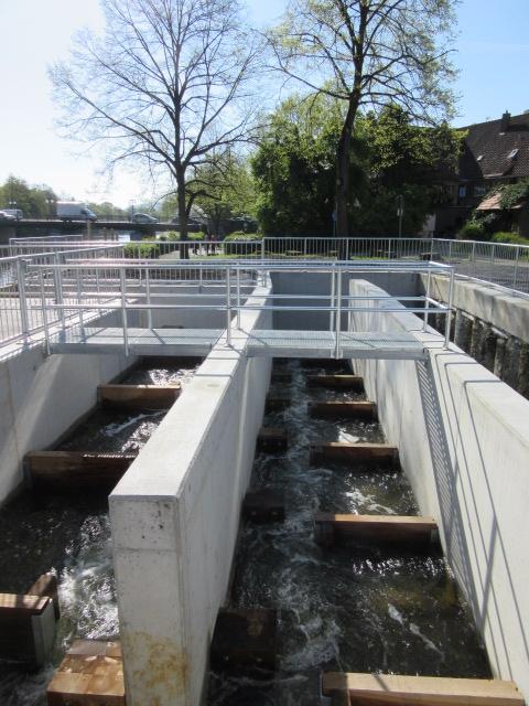 Internet Portal Center | Bildunterschrift: Die Fischtreppe ist jetzt Bestandteil des Wasserkraftwerks Künzelsau an der Kocher.