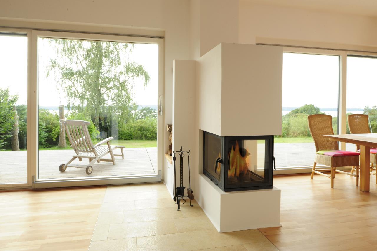 der kamin als raumteiler. Black Bedroom Furniture Sets. Home Design Ideas