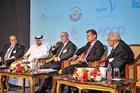 Internet Portal Center | Geschäftsführer Heinz Hölscher (links) mit weiteren Experten auf dem Podium der katarischen Konferenz zur Nachhaltigkeit von Wasser im Bauwesen.
