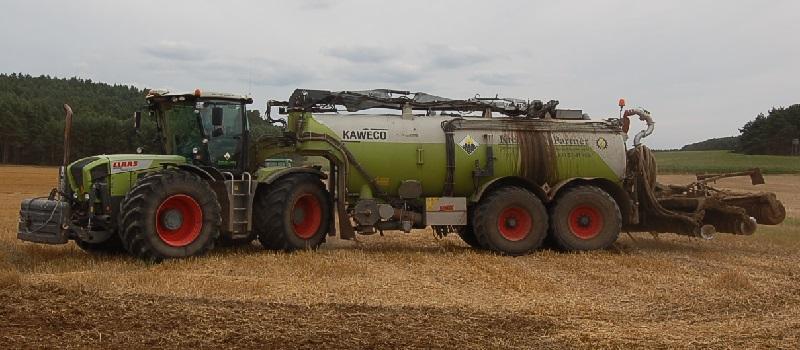 Deutsche-Politik-News.de | Gülleausbringung in der Landwirtschaft 2013