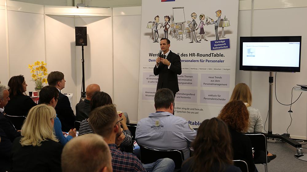 Internet Portal Center | Nicolas Scheidtweiler, Geschäftsführer Consus Marketing GmbH, auf der ZP17