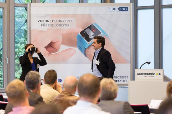 News - Central: Andreas Menn von der Wirtschaftswoche über Apps im Alltag (Foto: Martin Holubek, www.dipho.de)