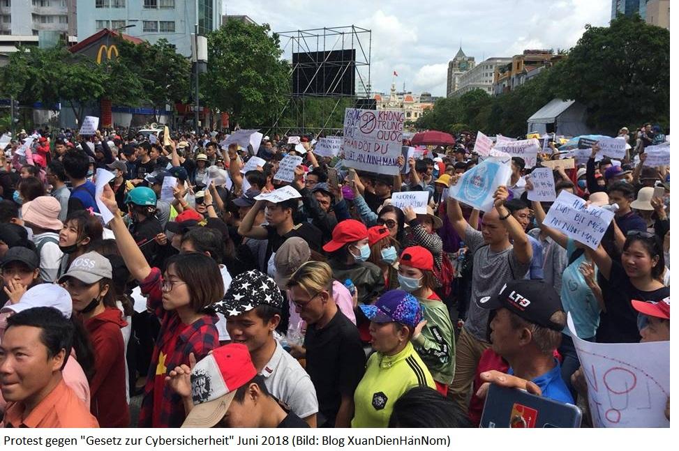 Asien News & Asien Infos & Asien Tipps @ Asien-123.de | Protest gegen
