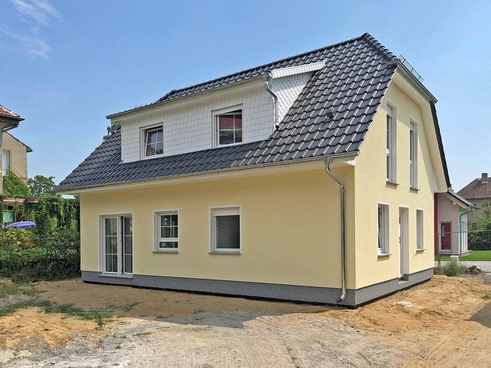 Deutsche-Politik-News.de | Dieses Haus Stade öffnet am kommenden Wochenende in 12621 Kaulsdorf seine Türen für Besucher. Foto: Roth-Massivhaus