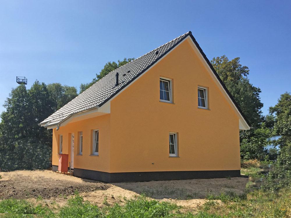 Fertighaus, Plusenergiehaus @ Hausbau-Seite.de | In 15713 Königs Wusterhausen öffnet am 8. und 9. September ein Haus Wismar seine Türen. Foto: Roth-Massivhaus