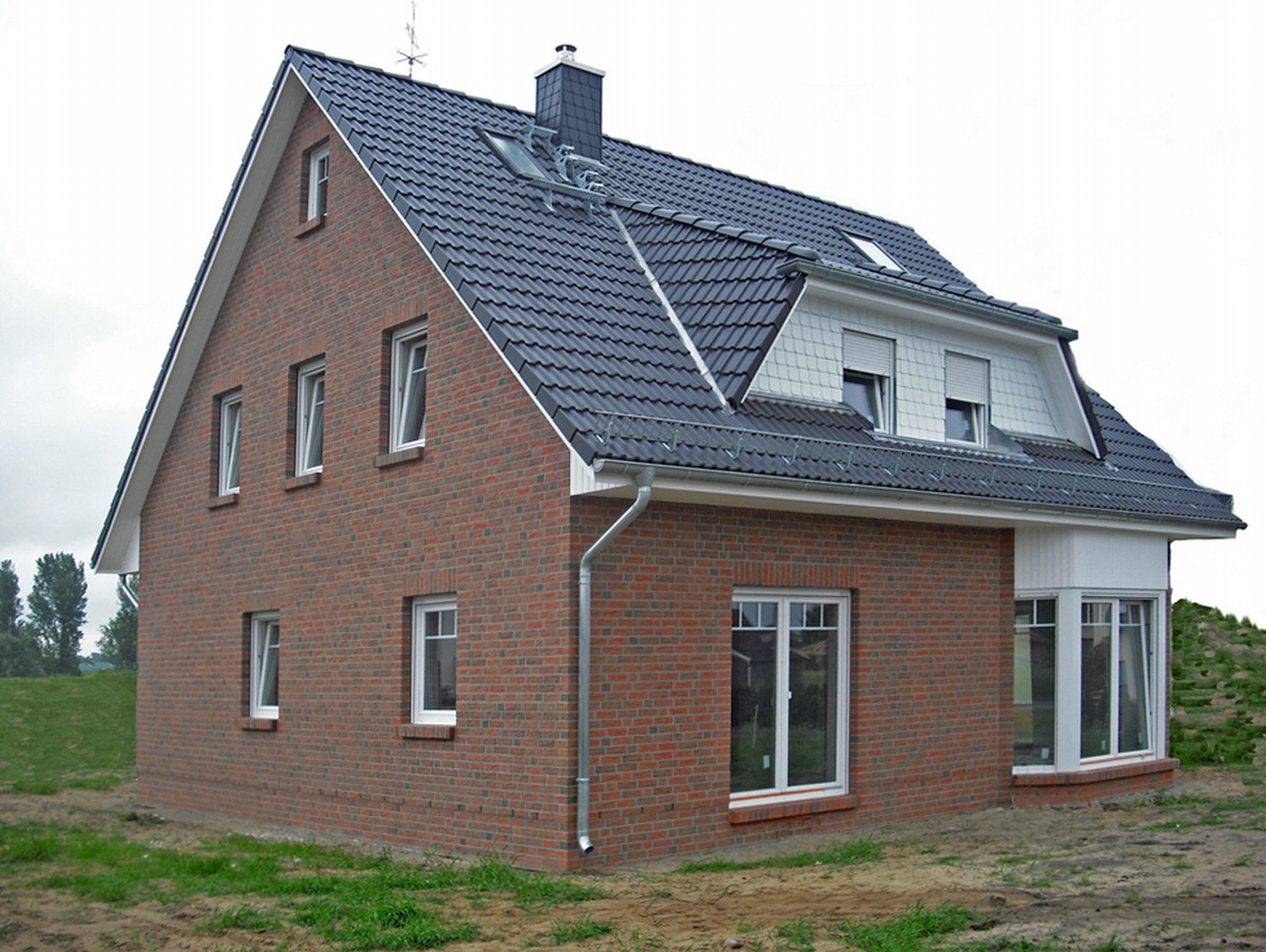 Hamburg-News.NET - Hamburg Infos & Hamburg Tipps | Dieses Friesenhaus kann am 14./15. Juni in Werder an der Havel besichtigt werden. Foto: Roth-Massivhaus