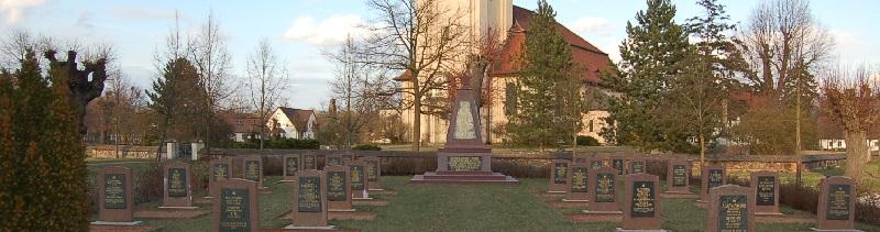 Deutsche-Politik-News.de | Sowjetischer Ehrenfriedhof Altdöbern 2012