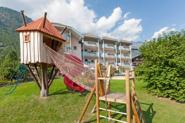Restaurant Infos & Restaurant News @ Restaurant-Info-123.de | Der großzügige Kinderspielplatz des Hotels – Familienhotel Heidi