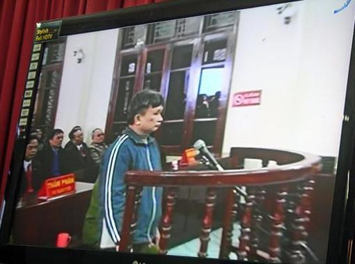 Ost Nachrichten & Osten News | Tran Anh Kim während des Gerichtsprozesses am 28. Dezember 2009