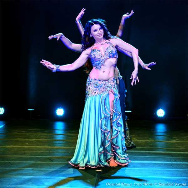 Freie Pressemitteilungen | Urlaubsstimmung mit buntem Tanzfest